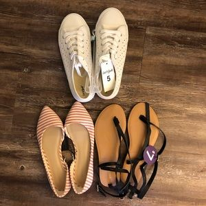 Shoe bundle! Sneakers, flats, and sandals